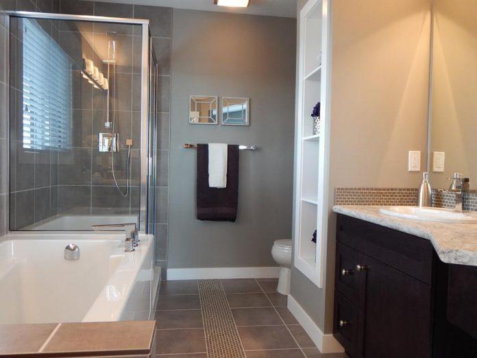 bathroom with artwork