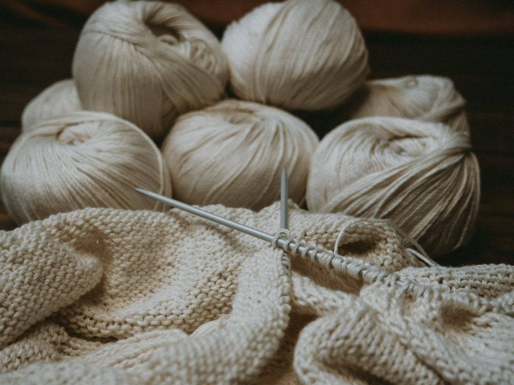Difference Between Knitting and Crocheting